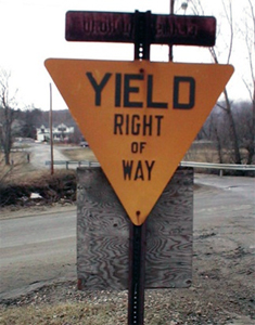 Official MUTCD yield right to way sign